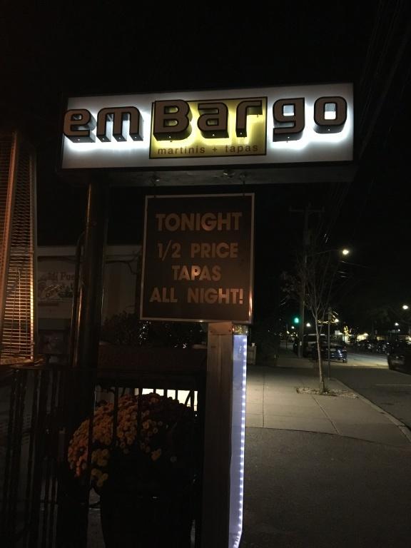 emBARgo sign